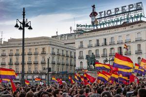 Madrid_-_Manifestación_republicana_-_140602_210231-2